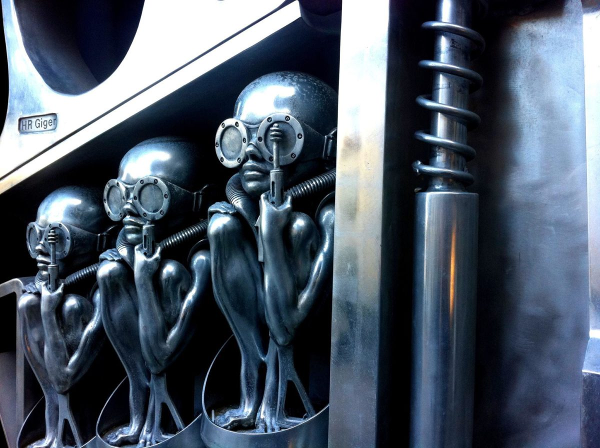 Sculpture musee H. R. Giger