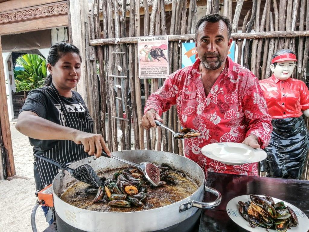 La Brasucade du dimanche a La Bohemia Beach Lounge sur Lamai beach, Koh Samui.