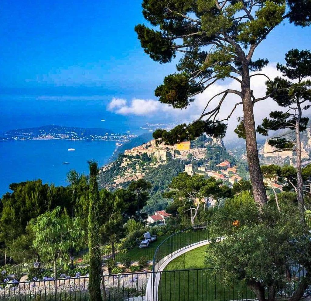 Eze Village, village médiéval en bord de mer, entre Nice et Monaco. Premier voyage après le burn-out.