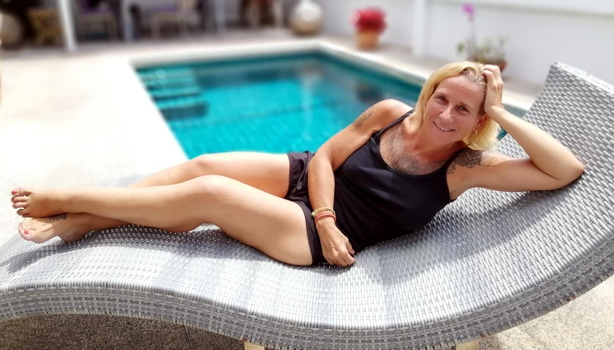Chirurgie Esthétique Réussie En Thaïlande, Corinne Témoigne