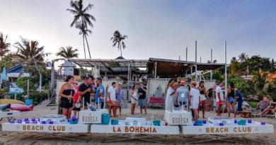 Le Plus grand Bar Flottant de Thailande a La Bohemia Beach Lounge, Koh Samui
